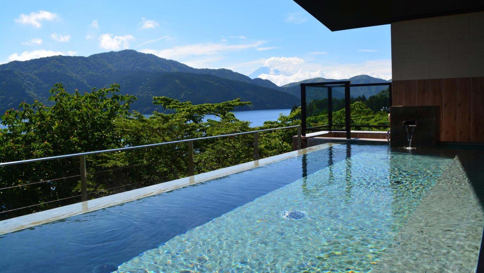 """Superb view one-day hot spring Ryu palace main building"" information on hotel guests limited rates"