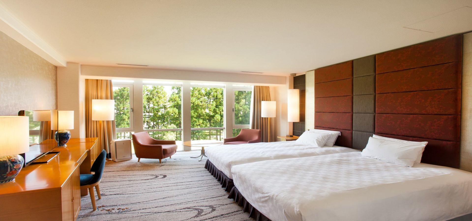 Deluxe Floor Grand Suite
