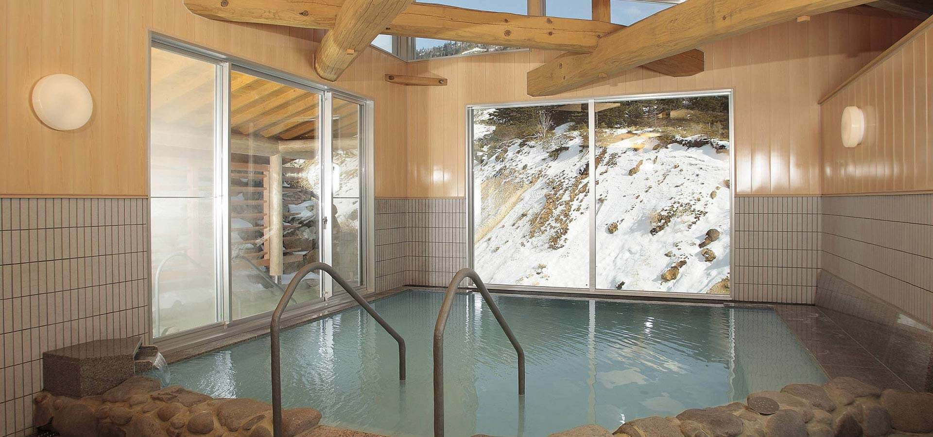 Hyakusen no yu 'uchiyu' (indoor hot spring)