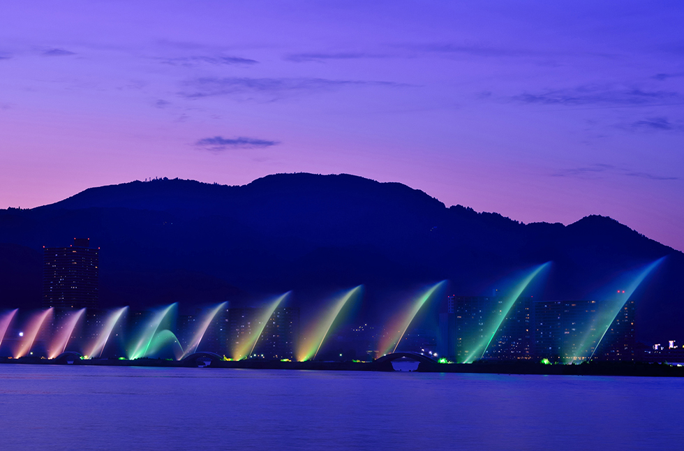 Biwako Hana Funsui (Lake Biwa flower fountain)