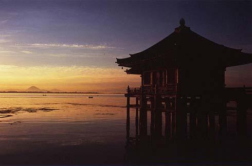 우키미도 (부유하는 사원)