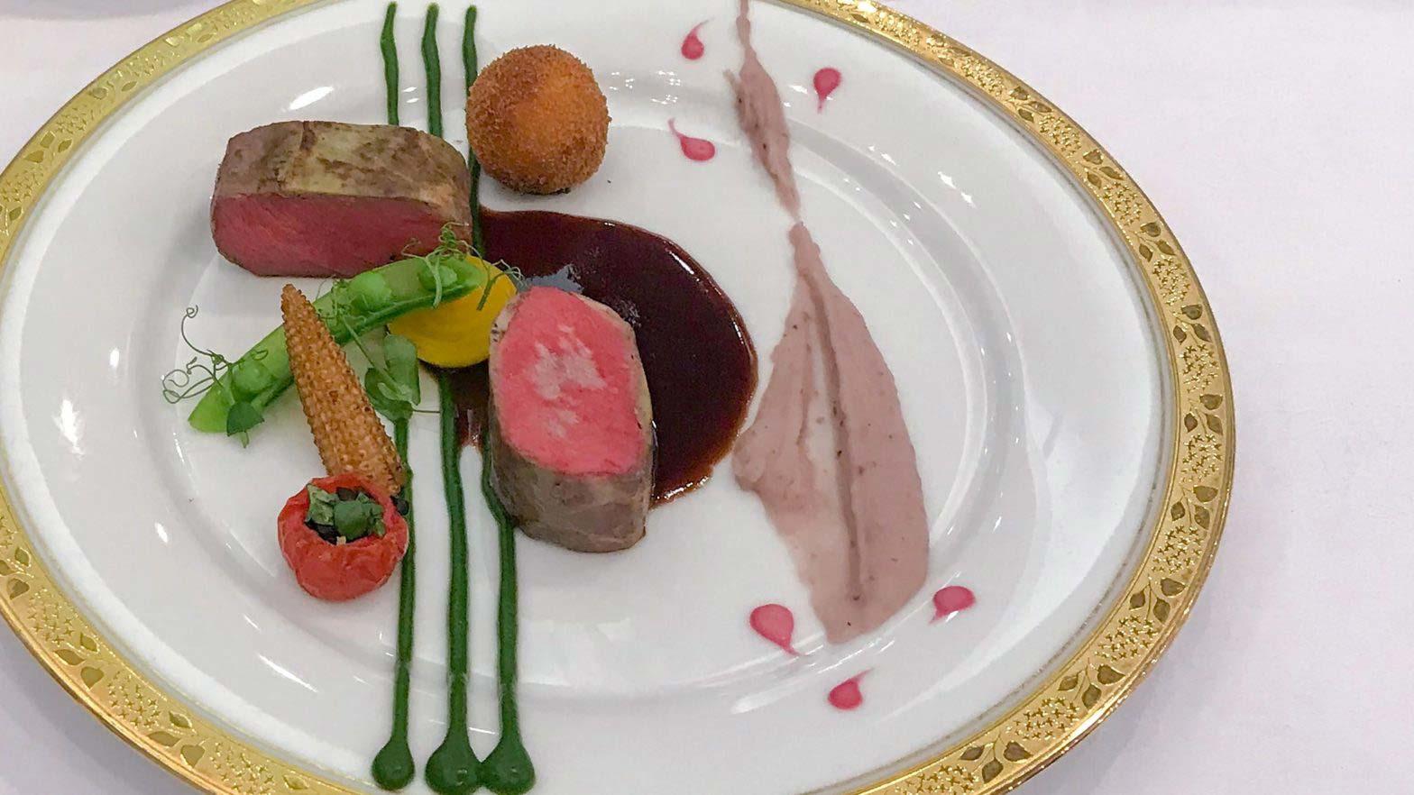 Ryo Yokohama won the Hokkaido Governor Award at the 2019 15th IH Challenge Cooking Contest in Hokkaido
