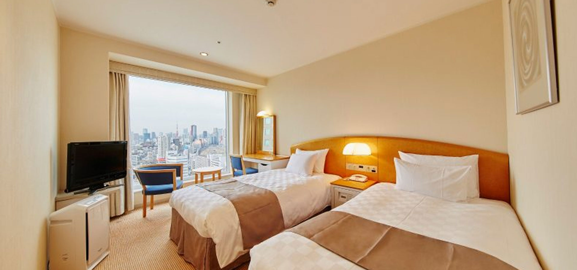 Twin Room (21.0m2, 17th – 27th floors)