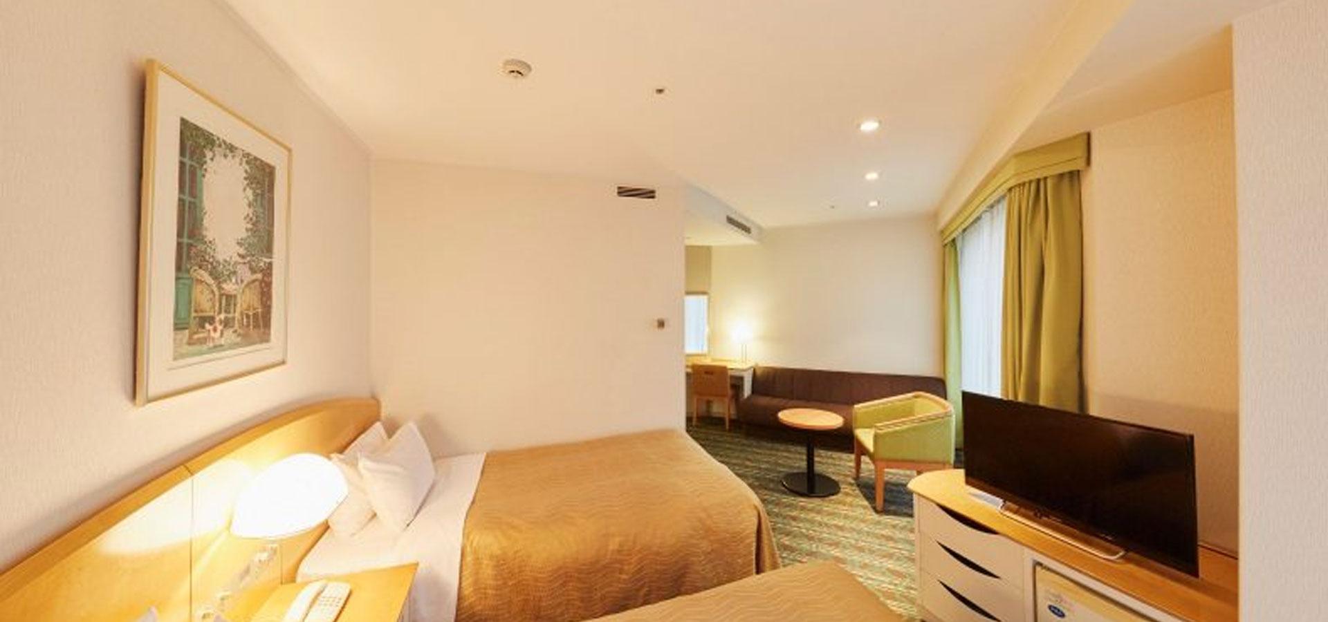Corner Twin Room (26.5m2, 6th – 16th floors)