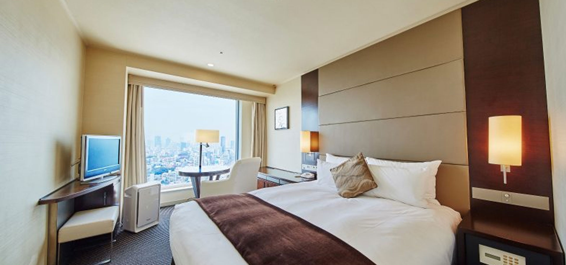 Double Room (35th – 37th floors)