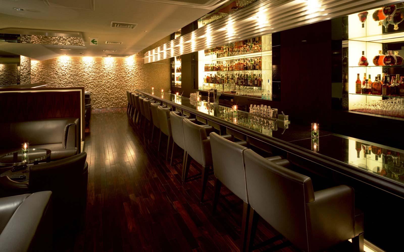le Connaisseur Cigar Shop & Bar