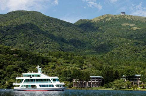 "Summer vacation! Enjoy the summer resort ""Lake Hakone Ashinoko""!"