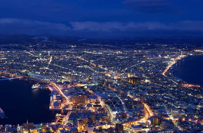 從函館山上遠望的夜景