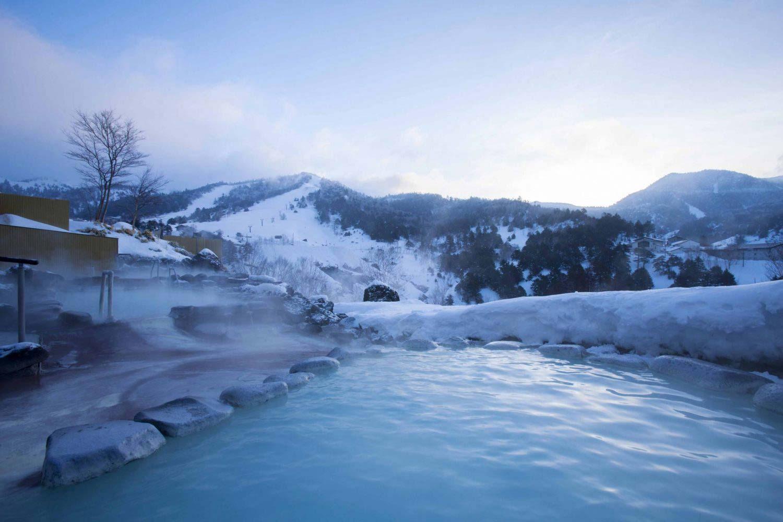 manza-onsen-winter