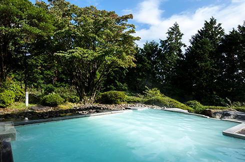 露天温泉浴池