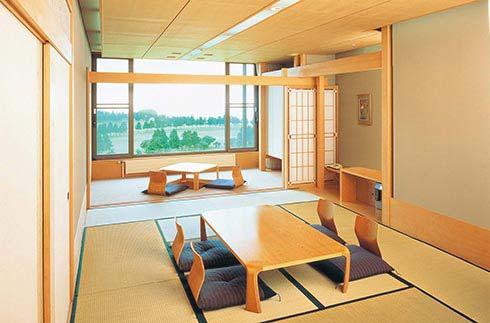 日式客房(12塊榻榻米大小)+寬走廊