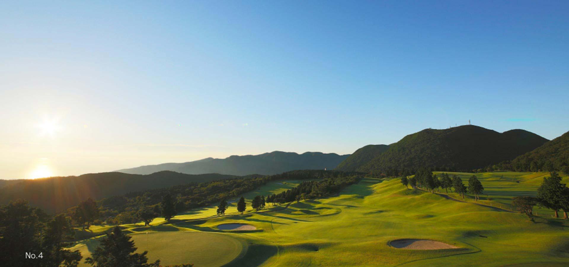 유노하나 온천 골프장 (18홀)